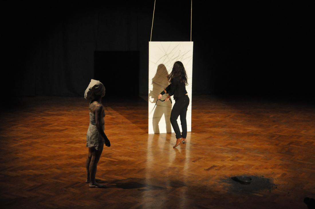 Fig. 2. Jeannette Ehlers, Whip It Good, 2013. Audience participation in a performance. Courtesy of the artist and Alanna Lockward, Art Labour Archives.